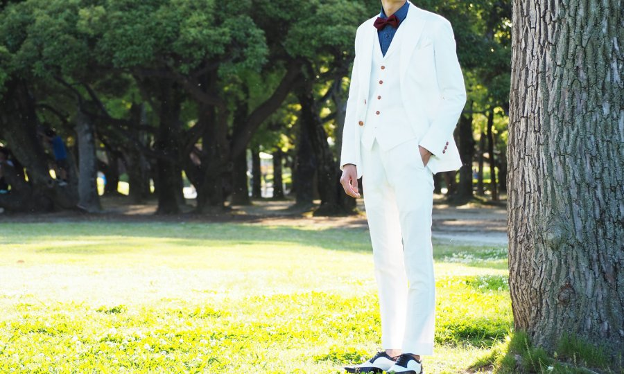 結婚式は新郎も主役です。衣装にこだわりを