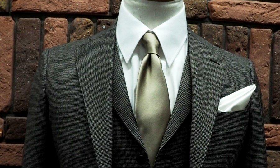 スーツの基本を例えると。