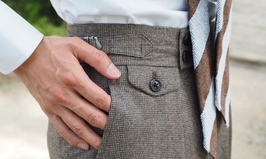 オーダースーツ専門店が教える、正しいパンツのサイズ選び。
