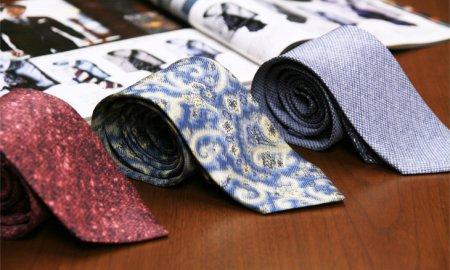 スーツの顔はネクタイで決まる!