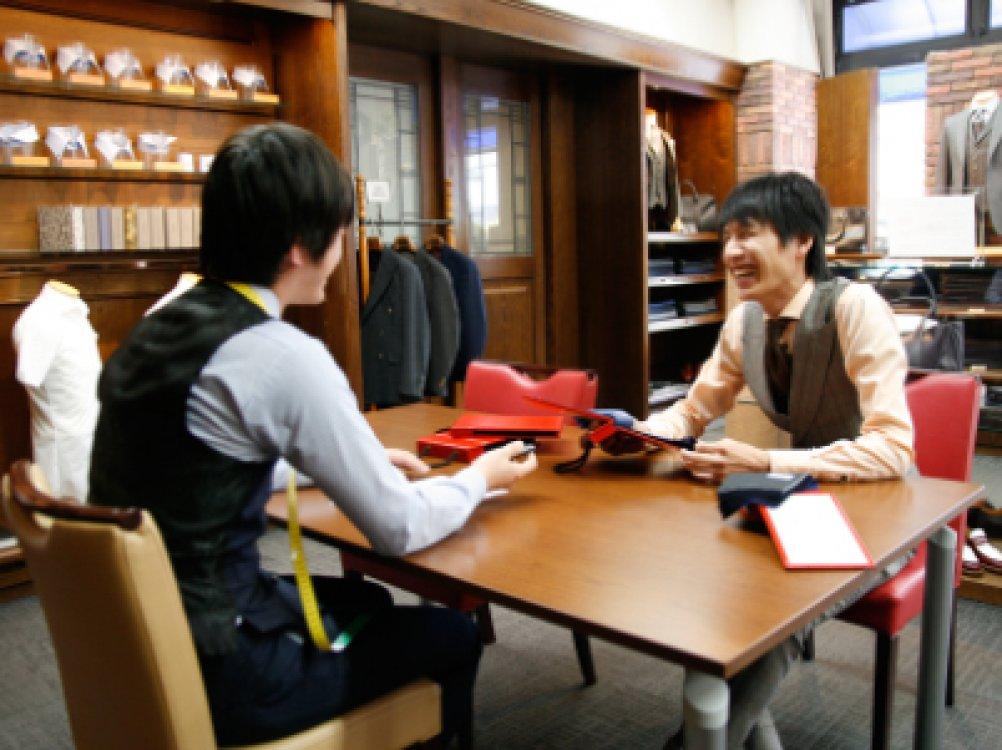 ~ コミュニケーションから生まれた服は、仕事の良き相棒になります ~