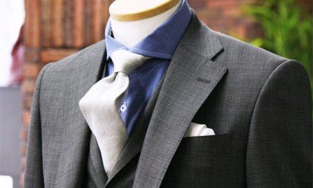 正統派スーツ=3ピース