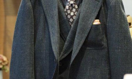 スーツのポケットで印象に変化。