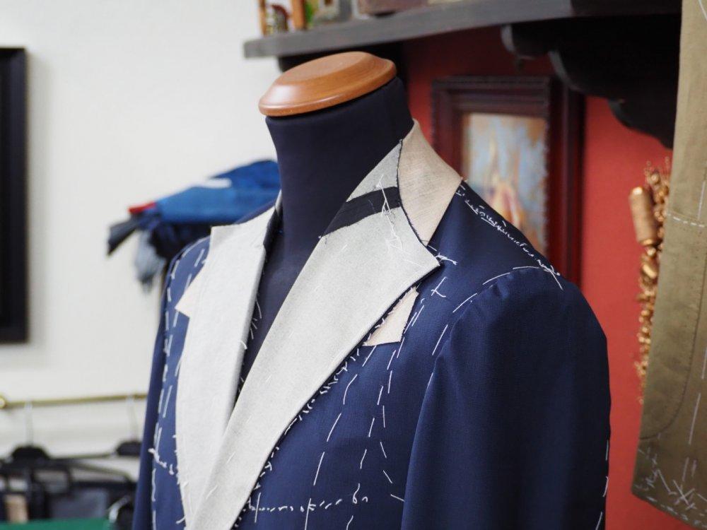 ジャケットはノボリで着る。