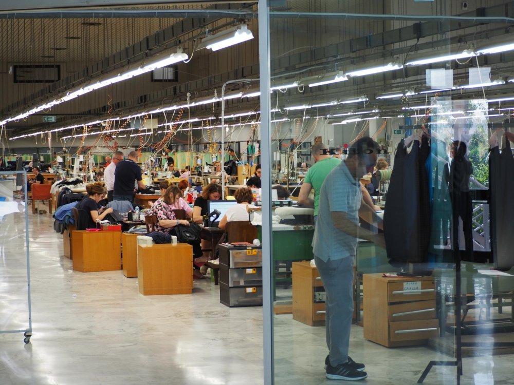 「世界で最も美しい服」を掲げるブランドKitonの正体は手仕事の結晶だったのです。