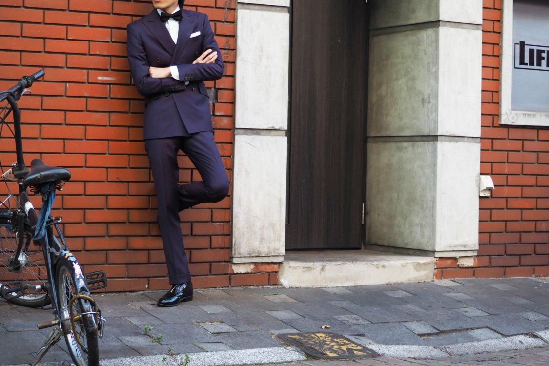 どんなスタイルのスーツにするかを決めましょう。