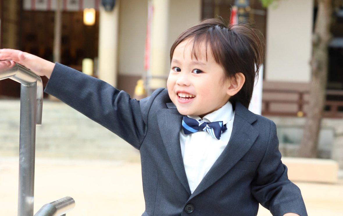 子供スーツもオーダーする時代です。