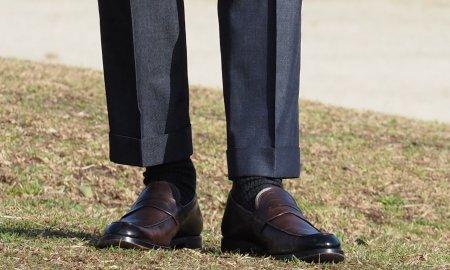 パンツの裾口。 縫製不良ではないんですよ! 「靴ずれ」